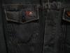 dettaglio logo giacca jeans